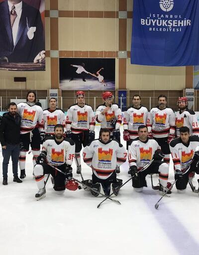 Zeytinburnu Belediyespor Buz Hokeyi Süper Lig şampiyonu