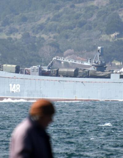 Askeri araç yüklü Rus gemisi Akdeniz'e iniyor