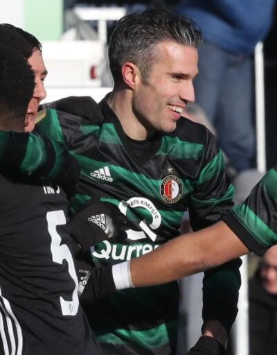 Robin van Persie iki gol attı