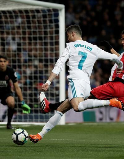 Real evinde Girona'yı 6-3 devirdi, Ronaldo 50. kez 'hat-trick' yaptı