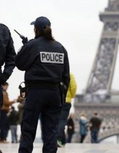 Fransa'daki gösterilere 500 bin kişi katıldı
