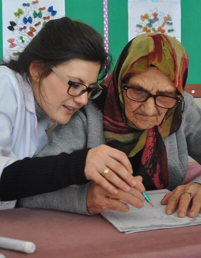 100 yaşından sonra okuma-yazma öğrenecek