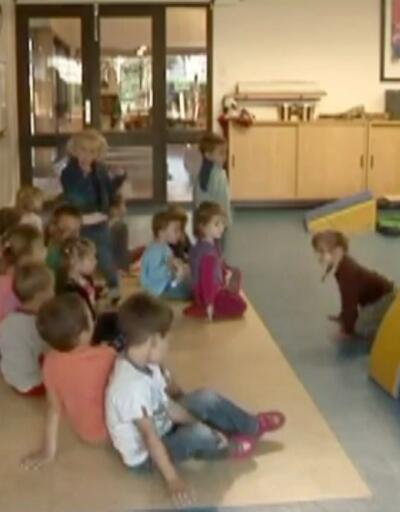 Fransa okul yaşını 6'dan 3'e indiriyor