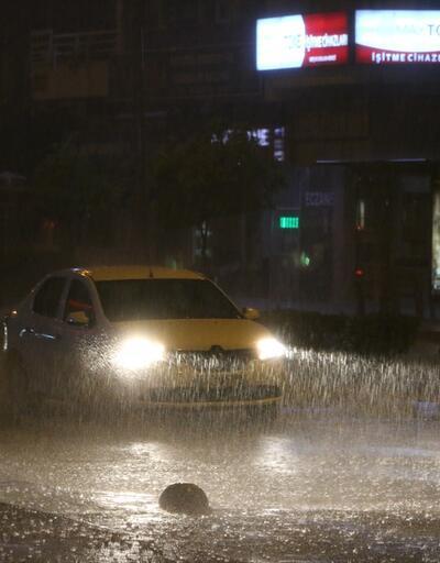 Antalya yağmura teslim oldu
