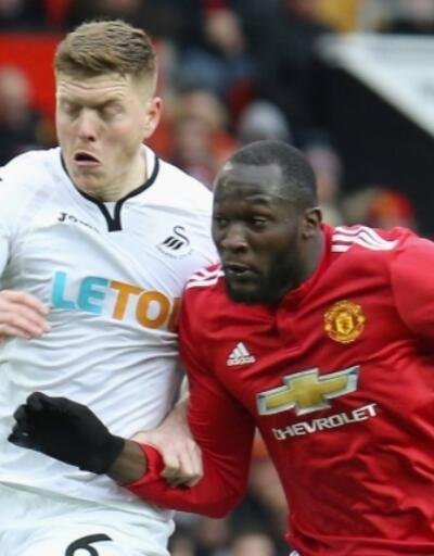 Manchester United zorlanmadan kazandı