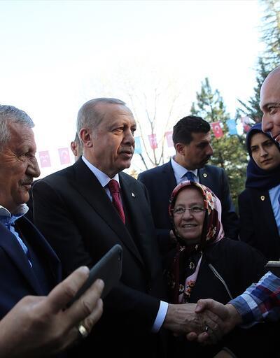 Son dakika... Cumhurbaşkanı Erdoğan Alparslan Türkeş'in mezarını ziyaret etti