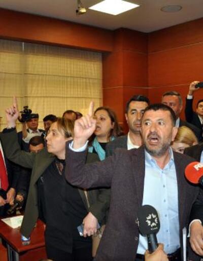 Şeker fabrikalarının özelleştirilmesi ihalesinde CHP'lilerden tepki: Şeker vatandır, vatan satılmaz