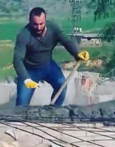 Üzerine çıktıkları çatıyı balyozla kırmaya çalışınca...