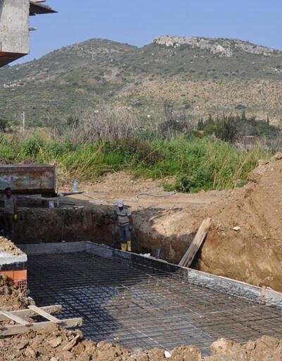 Ne mühür ne de ceza durdurabildi: Sit alanındaki kaçak otel inşaatı devam ediyor