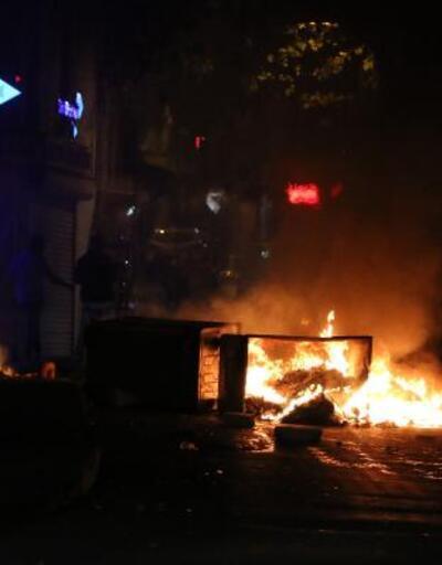 Beyoğlu'nda izinsiz gösteriye polis müdahalesi