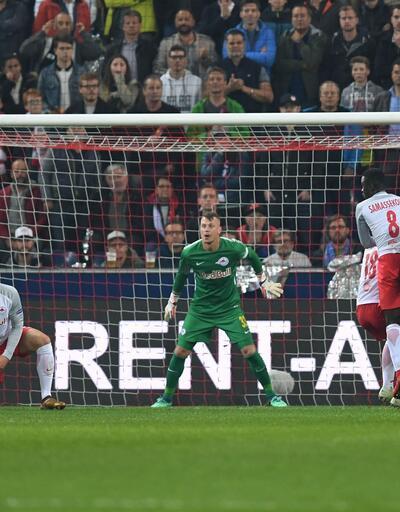 Hakem skandal kararıyla Salzburg'lu futbolcuları ağlattı