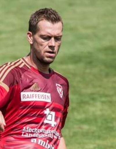 Spor dünyasını yasa boğan ölüm: Ünlü futbolcu intihar etti!