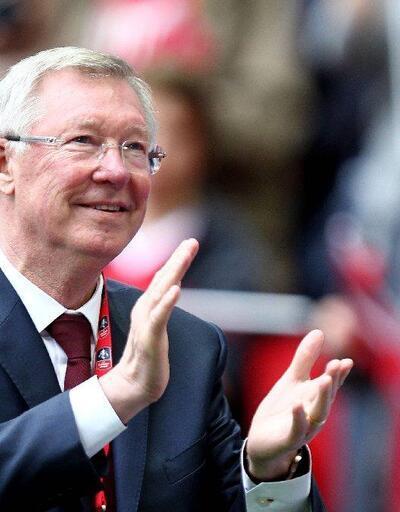Alex Ferguson yoğun bakımda kalmaya devam edecek