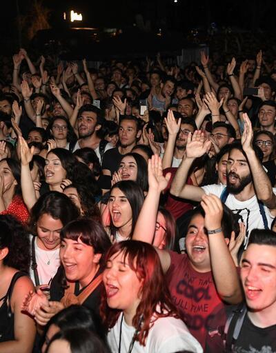Üniversite rektöründen öğrencilere konser