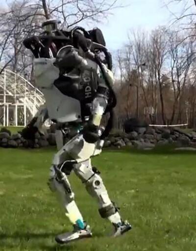 Boston Dynamics'in Atlas'ı ısınma koşusunda