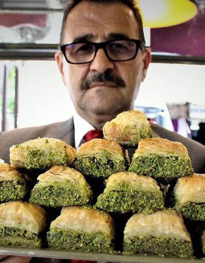 İzmir'de tatlıcılar fıstıklı ürün satmama kararı aldılar
