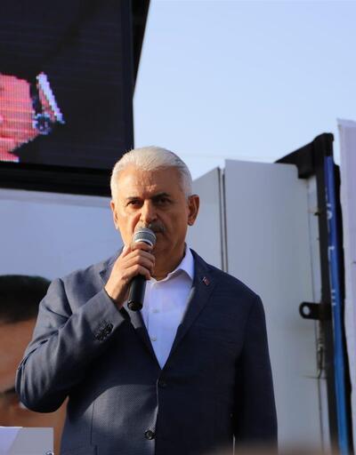 Başbakan Yıldırım'dan bayram namazı çıkışı seçim konuşması