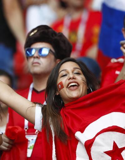 Arap ülkelerinin seyircileri Tunus için stadyumda