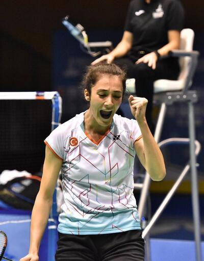 Badmintonda bir altın bir bronz