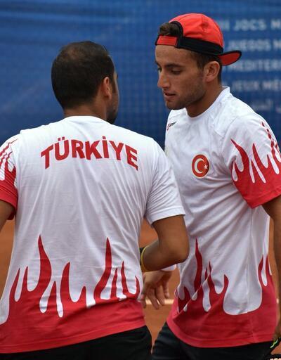 Akdeniz Oyunları'nda teniste çift kadınlarda altın madalya sevinci