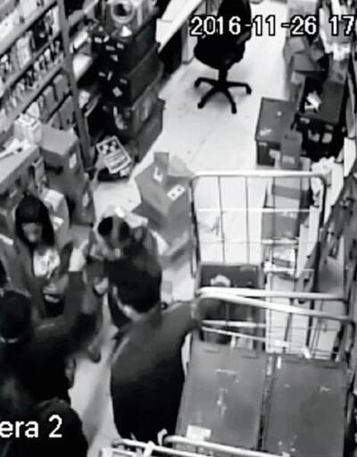 Kozmetik mağazasında çıplak arama skandalında flaş gelişme!