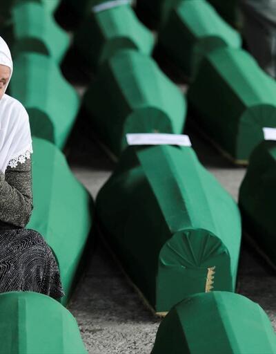Soykırım kurbanlarının cenazeleri anıt mezarlığa taşındı