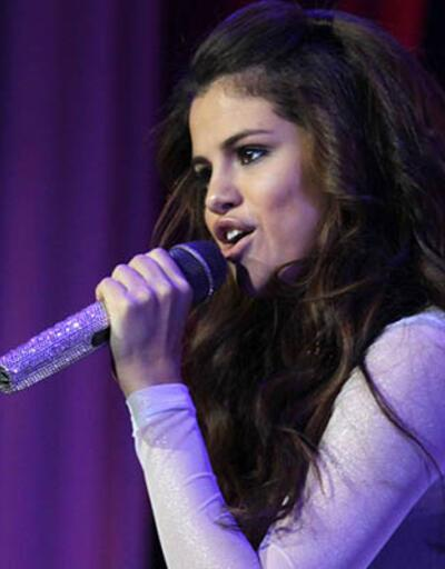 Selena Gomez'i güldüren soru