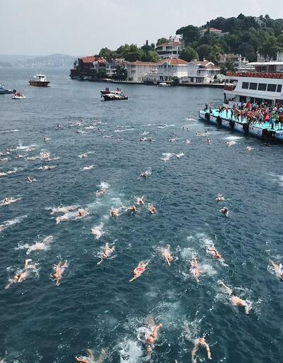 2 bin 400 kişi Asya'dan Avrupa'ya yüzdü