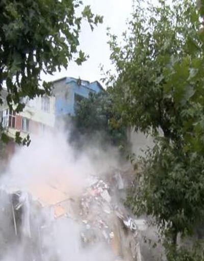 İstanbul'da çöken binanın sakinleri ile toplantı yapıldı
