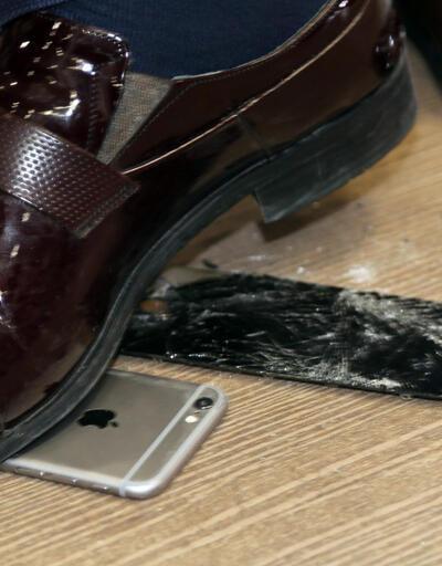 MHP'li vekil iPhone'u sattı, Samsung aldı