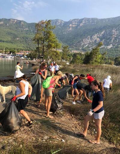 'Sakin şehir' unvanlı Akyaka'dan 2 ton çöp topladılar