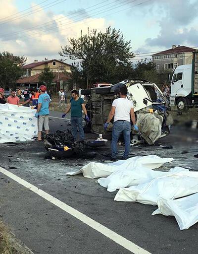 Sakarya'da katliam gibi kaza: 7 ölü, 3 yaralı