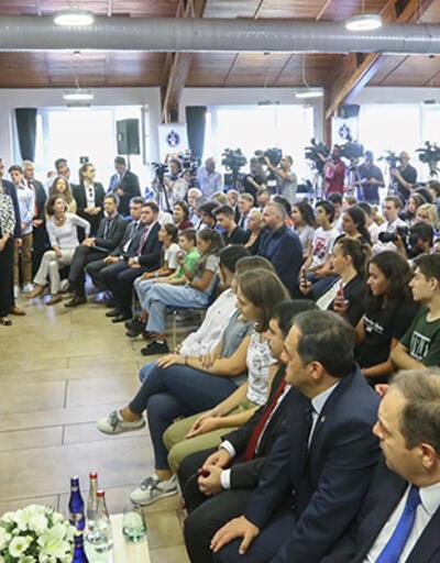 Mevlüt Çavuşoğlu'nun bilinmeyenleri: 'Ses berbat, bir şarkı söylesem herkes kaçar'