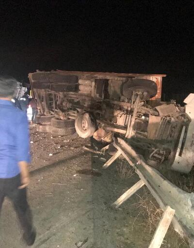 Mucize kurtuluş: Bu araçtan 5 kişi sağ çıktı