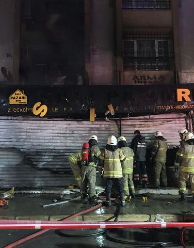 İzmir'de yangın: 3 iş yeri zarar gördü