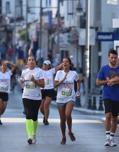 Çağdaş Bodrum Yarı Maratonu'na bin 200 sporcu katıldı