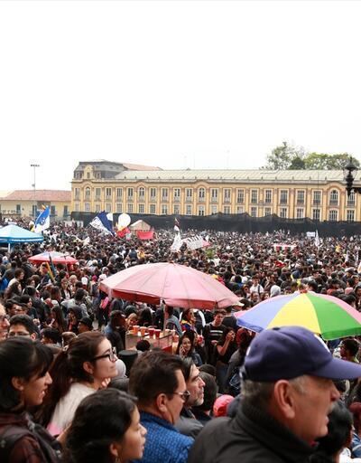 Kolombiya'da üniversite öğrencileri ve akademisyenlerden grev
