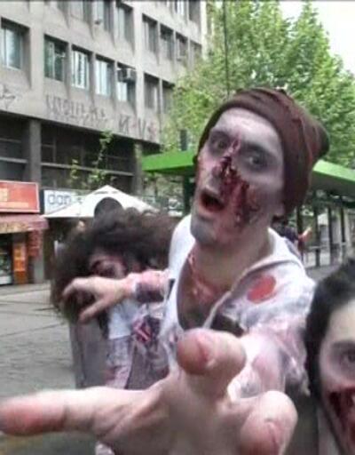"""Şili'de """"zombi"""" istilası"""