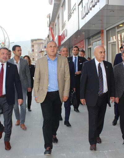 İYİ Parti milletvekilleri, Hakkari'de seçim çalışması yaptı