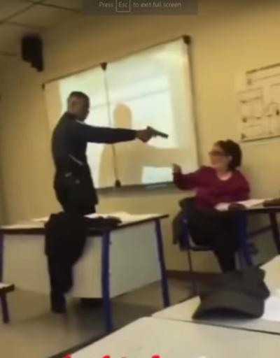 Kendisini 'yok' yazdı diye öğretmenine silah çekti