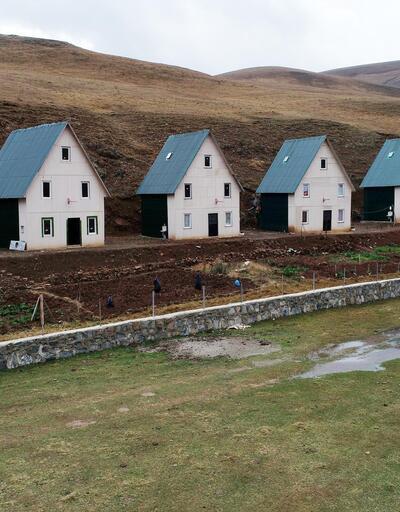 Yaylada, tek tip inşa edilen 6 ev kaçak çıktı