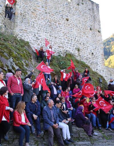 En görkemli kalede horonlu Cumhuriyet kutlaması