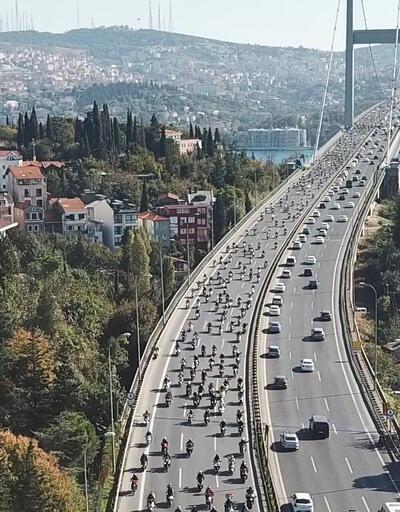 """Yüzlerce motosikletliden """"Cumhuriyet"""" korteji"""