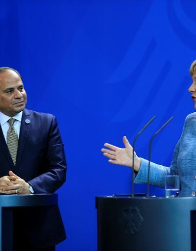 Angela Merkel: Delegeler nasıl karar verir bakacağız