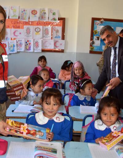 Diriliş Gençlik Federasyonu, 1 milyon çocuğa oyuncak dağıttı