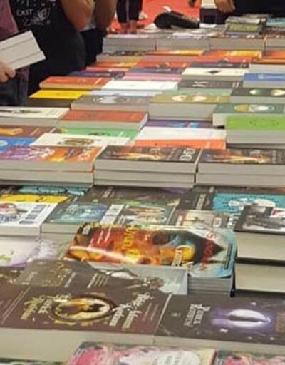 İthaki Yayınları, bilimkurgu ustalarını okurla buluşturmaya devam ediyor