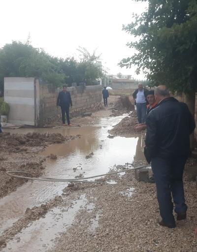 Beyazsu ana su hattı patladı, mahalle sular altında kaldı