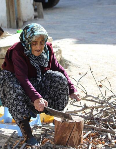 Toros Dağları eteğindeki Kiraz ninenin yaşam mücadelesi