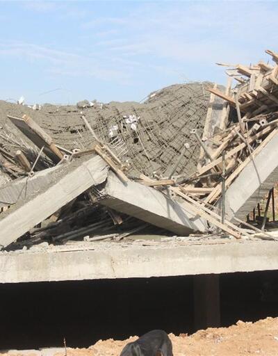 Son anda canlarını kurtardılar: Çöken inşaatı böyle izlediler