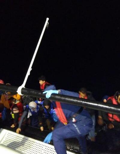 Çanakkale'de lastik botlarda 34 kaçak göçmen yakalandı